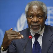Kofi Annan gibt als UN-Sonderbotschafter für Syrien auf.