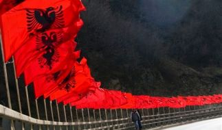 KOSOVO ONE YEAR (Foto)