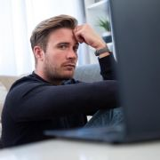 KRACK sorgt für Verdruss bei Internetnutzern. Wer aber konsequent auf HTTPS-Verbindungen achtet, ist weiter sicher im Netz unterwegs. (Foto)