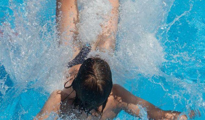 Krampf im Kehlkopf kann bei Badeunfällen die Atemwege blockieren (Foto)