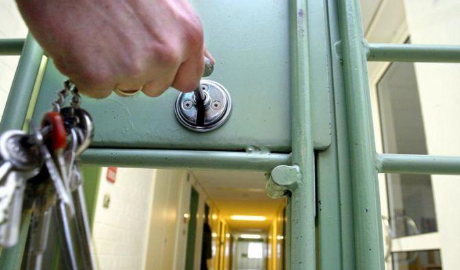 Kritik an Haftbedingungen in deutschen Gefängnissen (Foto)