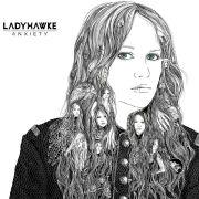Ladyhawke entpuppt sich auf ihrem zweiten Album als Rockerin.