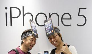 Lange Warteschlangen bildeten sich auch in Deutschland vor den Apple-Stores zum Verkaufsstart des iPhone 5. (Foto)