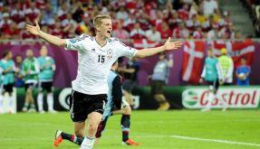 Lars Bender schießt Deutschland ins Viertelfinale. (Foto)