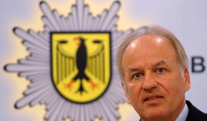 Laut Medienberichten werden der bisherige Bundespolizei-Präsident Matthias Seeger (im Bild) sowie seine beiden Stellvertreter abgelöst. (Foto)