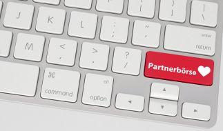Laut dem Urteil des Hamburger Amtsgerichts dürfen Partnerbösen kein Geld für ihre Dienstleistungen verlangen. (Foto)