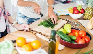 Leben ohne tierische Produkte: Gesünder und fitter soll man sich dadurch fühlen. Doch nicht für jeden ist die Ernährung geeignet. (Foto)