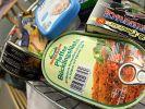 Lebensmittel in Konservendosen halten besonders lange. Nach dem Öffnen sollten sie jedoch nicht zu lange aufbewahrt werden. (Foto)