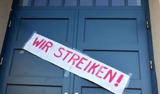 Lehrer-Warnstreiks in Ostdeutschland (Foto)