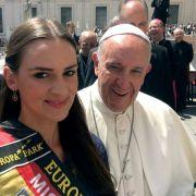 Echt jetzt?! Der Papst empfängt Miss Germany (Foto)
