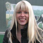 Lena ist die erste lesbische Kandidatin bei Bauer sucht Frau.