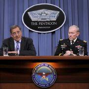 US-Verteidigungsminister Leon Panetta und Generalstabschef Martin E. Dempsey stellten ihr Sparprogramm vor.