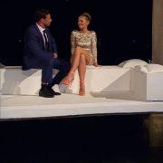 Leonard und Anni im Gespräch. Alle Infos zu 'Der Bachelor' im Special bei RTL.de: http://www.rtl.de/cms/sendungen/der-bachelor.html (Foto)