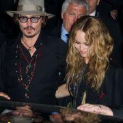 Liebescomeback ausgeschlossen? Johnny Depp und Vanessa Paradis verbringen den Urlaub gemeinsam.