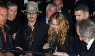 Liebescomeback ausgeschlossen? Johnny Depp und Vanessa Paradis verbringen den Urlaub gemeinsam. (Foto)