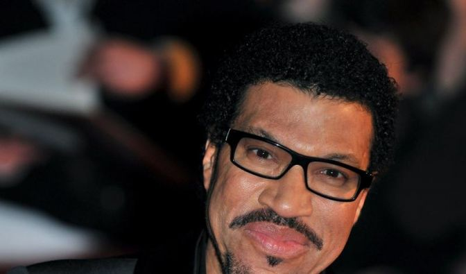 Lionel Richie erobert Platz 1 in den USA (Foto)