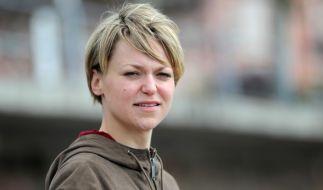 "Lisa Wagner bei Dreharbeiten zu ""Kommissarin Heller"" im April 2014. (Foto)"