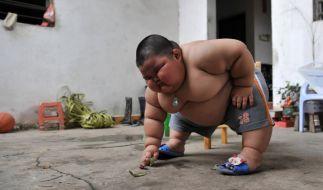Lu Hao ist erst drei Jahre jung und wiegt bereits 60 Kilo. (Foto)