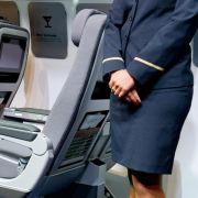Lufthansa-Flugbegleiter sagen Sommer-Streik doch noch ab (Foto)