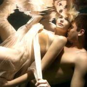 ... bei ihrem Unterwassershoot mit dem Männermodel kam ein tolles Foto raus. Luisa hatte ihre Schüchternheit überwunden.