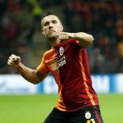 Lukas Podolskis Form steigt an. (Foto)