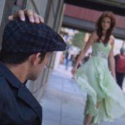 Ein weiteres Beispiel zeigt dieses Bild eines Models:Der Betrachter entscheidet selbst, ob er später die Frau oder ...