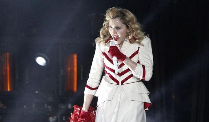 Madonna vor Petersburger Konzert kämpferisch (Foto)