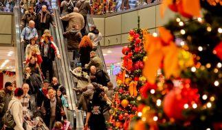 Männer kaufen Geschenke auf den letztenDrücker (Foto)