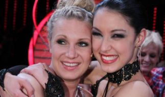 Magdalena Brzeska und Rebecca Mir tanzen im Finale von Let's Dance 2012 (Foto)