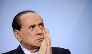 Mann bricht italienischem Regierungschef die Nase  (Foto)