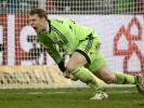 Manuel Neuer besiegt Gladbach mit links (Foto)