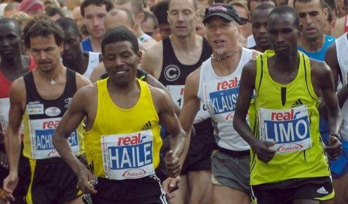 Marathon-Weltrekord für Gebrselassie in Berlin (Foto)
