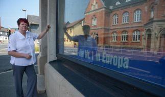 Margit Wilhelm ist Vorreiterin für selbstständige Schlecker-Frauen. Sie will die Schlecker-Filiale im thüringischen Sonneberg in Eigenregie weiterführen. (Foto)