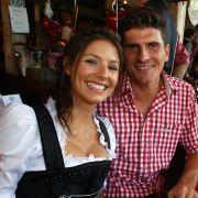 Mario Gomez mit seiner Freundin Silvia: «Mehmet Scholl nahm mich beim Oktoberfest zur Seite.»