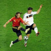 Elf-Tore-Mann «El Mario» gegen einen der kompromisslosesten Innenverteidiger der Welt: Mario Gomez gegen Sergio Ramos.