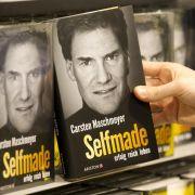 Karsten Maschmeyers Buch Selfmade - erfolg reich leben steht seit heute in den Läden.