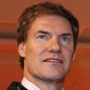 Der Finanzunternehmer Carsten Maschmeyer wurde vor allem seine Beziehung zu Schauspielerin Veronica Ferres einer breiten Öffentlichkeit bekannt.