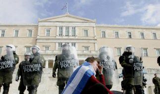 Massenproteste gegen Sparpaket (Foto)