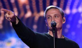 """Matthias Schweighöfer geht ab Sommer auf """"Lachen Weinen Tanzen""""-Tour 2017. (Foto)"""