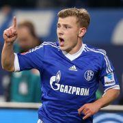 Schalke-Star kracht mit Luxus-Schlitten gegen Leitplanke (Foto)