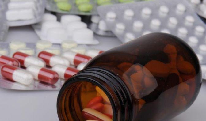 Medikamentensucht erkennen und behandeln (Foto)