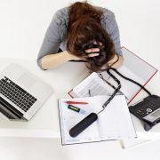 Mehrere Dinge gleichzeitig erledigen - das schafft nicht jeder. Jedoch gibt es bihser keinen Hinweis darauf, das Multitasking dem gehirn schadet. (Foto)