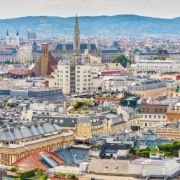 Mehrere EU-Politiker wollen sich für ein Gratis-Interrail-Ticket zum 18. Geburtstag einsetzen. Die Jugendlichen könnten damit dann Europa bereisen und sich beispielsweise Wien ansehen. (Foto)