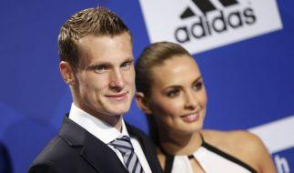 «Mein Fokus ist absolut auf den HSV gerichtet»: Marcell Jansen und seine Freundin Jacqueline Köster. (Foto)