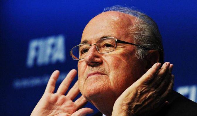 Mein Name ist Hase, ich weiß von nichts. Fifa-Boss Sepp Blatter steht immer wieder im Kreuzfeuer der öffentlichen Kritik. (Foto)