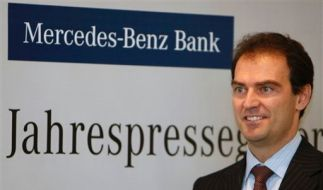 Mercedes Benz Bank (Foto)