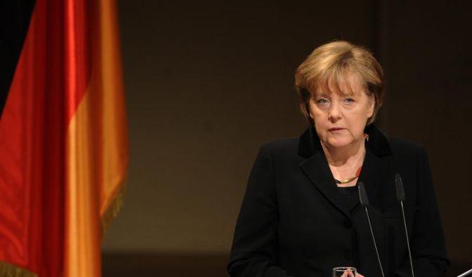 Merkel bittet Angehörige um Verzeihung (Foto)