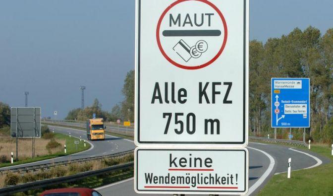 Merkel bremst CSU-Vorstoß für Pkw-Maut aus (Foto)
