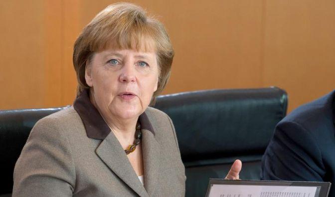 Merkel: Nicht nur sparen, auch investieren (Foto)