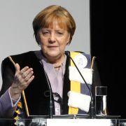 Merkel übt sich in Selbstkritik. (Foto)